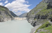 Hydropower production in the Swiss Alps during the 21st century