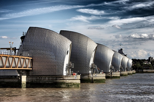 Benefits of protecting London from the sea