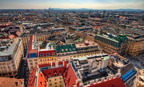 The potential of green and blue infrastructure to reduce urban heat load in the city of Vienna