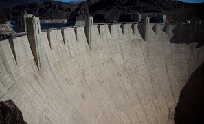 Hydropower and cooling water under climate change: most of the world's potential still not being used