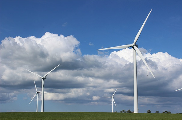 Wind power output increases in northern Europe and decreases in the South